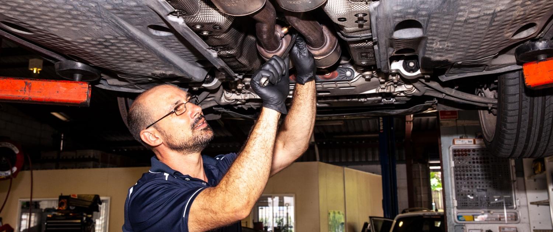 vehicle repair mechanic providing sunshine coast car exhaust repairs in nambour